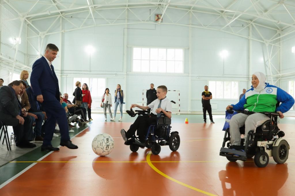 Представители клуба посетили мастер-класс по футболу на электроколясках